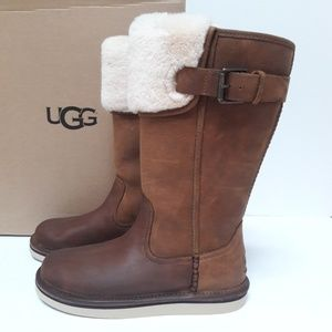 New Women's UGG Boots Size 5